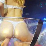 東京で行われたセクシーダンサーのクイコミショー