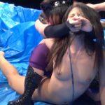 グラビアアイドルがプロレス試合で水着をはぎ取られて羞恥プレイになってしまうリアル映像